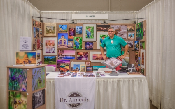 photo of Dr. Almeida at the 2016 Mississippi Craft Show.